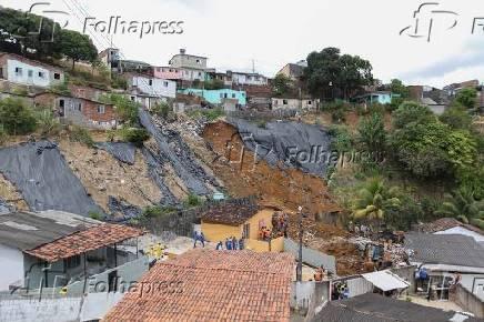 Deslizamento mata sete no Recife (PE)