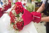Movimentação de venda de flores para o Dia dos Namorados