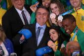 Bolsonaro recebe atletas brasileiros medalhistas dos Jogos Panamericanos de Lima (Peru)