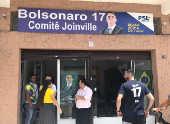 Apoiadores no comitê local do candidato do PSL em Joinville (SC)